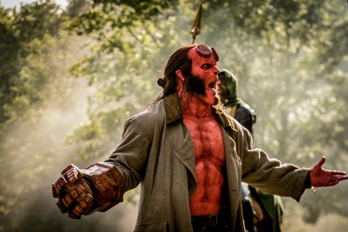 El envejecimiento de Hellboy se detuvo al alcanzar la madurez física. Imagen: Hellboy (@HellboyMovie).