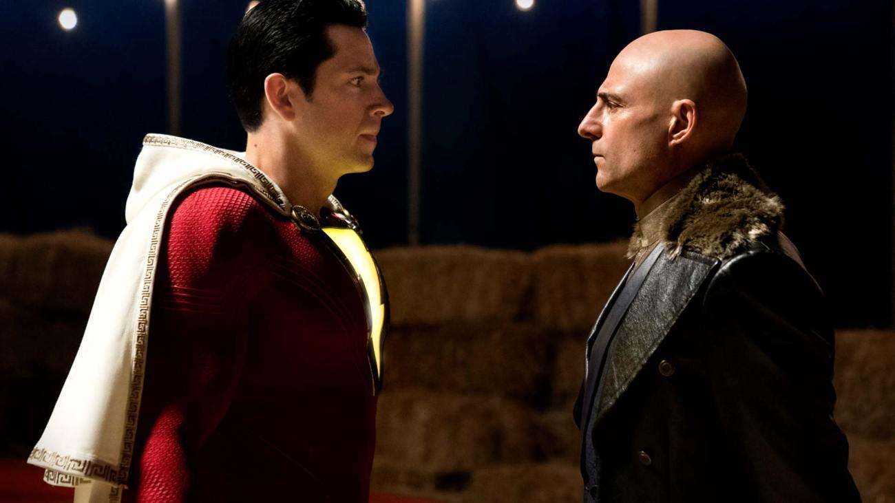 Shazam (Zachary Levi) vs. el Dr. Thaddeus Sivana (Mark Strong) en Shazam!. (2019). Imagen: dccomics.com