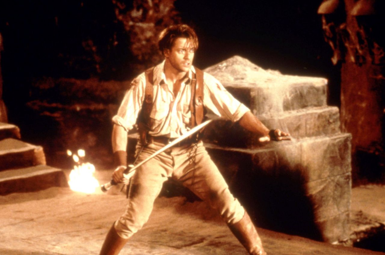 Rick O'Connell (Brendan Fraser) en The Mummy (1999). Imagen: Universal Pictures/Everett Collection.