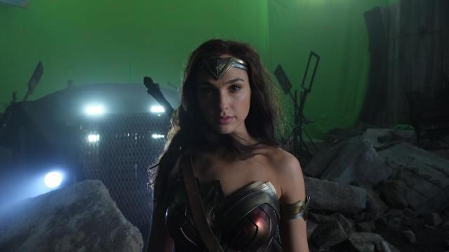 Wonder Woman (Gal Gadot) en el set de Justice League (2017). Imagen: Fabian Wagner Instagram (@fabianwagner78).