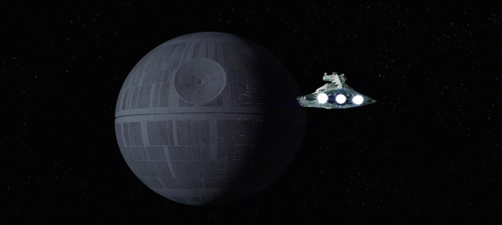 La Estrella de la Muerte en Star Wars: Episode IV – A New Hope (1977). Imagen: StarWars.com