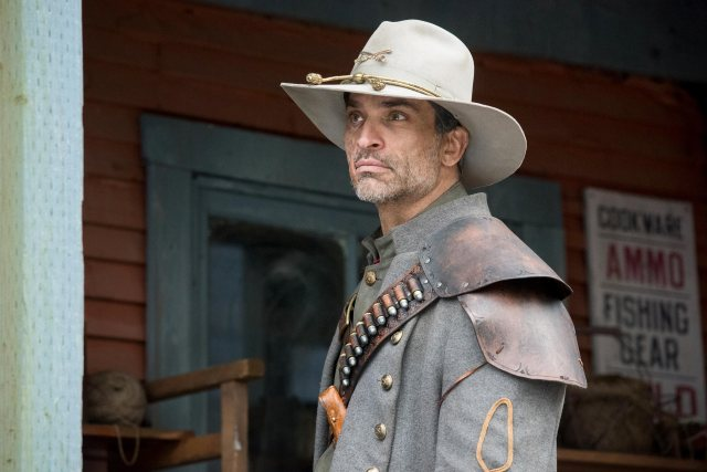 Johnathon Schaech como Jonah Hex en DC's Legends of Tomorrow. Imagen: Dean Buscher/The CW