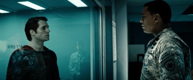 Superman (Henry Cavill) y el General Calvin Swanwick (Harry Lennix) en Man of Steel (2013). Imagen: dccomicsextendeduniverse.fandom.com