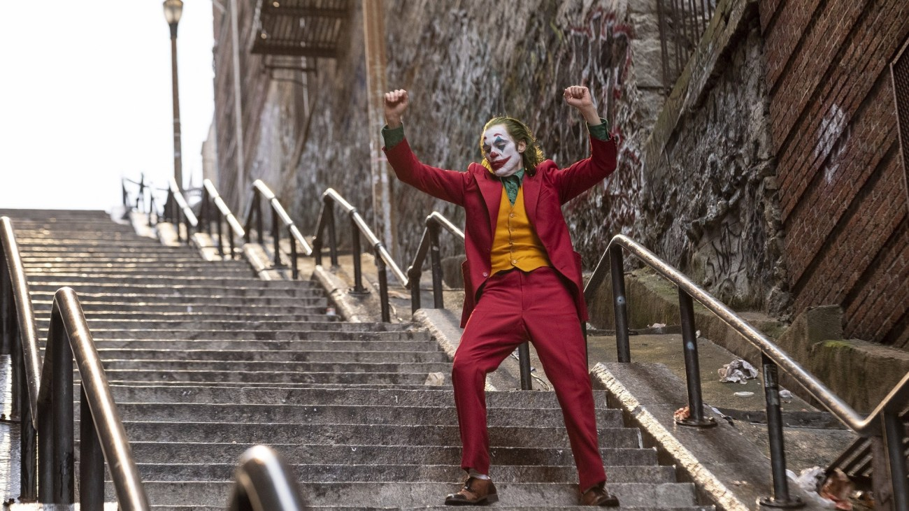 Joaquín Phoenix como Arthur Fleck/Joker en Joker (2019). Imagen: fanart.tv
