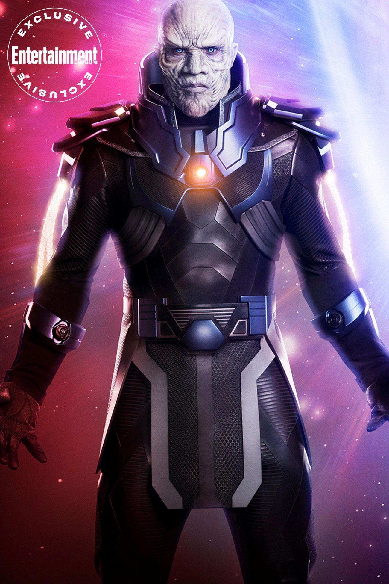 LaMonica Garrett como el Anti-Monitor en Crisis on Infinite Earths. Imagen: Jordan Nuttall/The CW/Entertainment Weekly