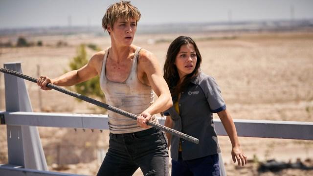 Mackenzie Davis y Natalia Reyes en Terminator: Dark Fate (2019). Imagen: ComicBookMovie.com (CBM).