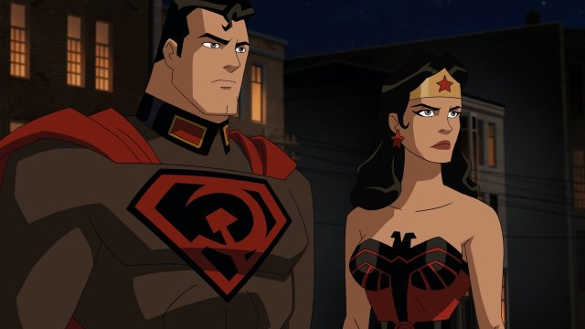 Superman (voz de Jason Isaacs) y Wonder Woman (voz de Vanessa Marshall) en Superman: Red Son (2020). Imagen: Gary Miereanu Twitter (@SuperPRGuy).
