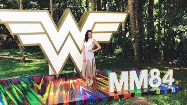 Gal Gadot acudió a presentar Wonder Woman 1984 (2020) en Comic Con Experience 2019 (CCXP). Imagen: Wonder Woman Twitter (@onderWomanFilm).