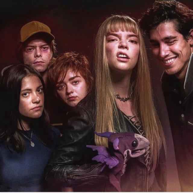 Blu Hunt, Charlie Heaton, Maisie Williams, Anya Taylor-Joy y Henry Zaga en The New Mutants (2020). Imagen: IMDb.com