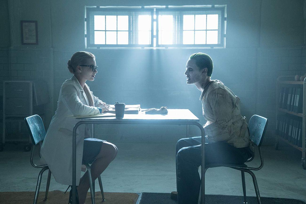 Margot Robbie como la Dra. Harleen Quinzel y Jared Leto como The Joker en Suicide Squad (2016). Imagen: Clay Enos/Warner Bros. Entertaiment