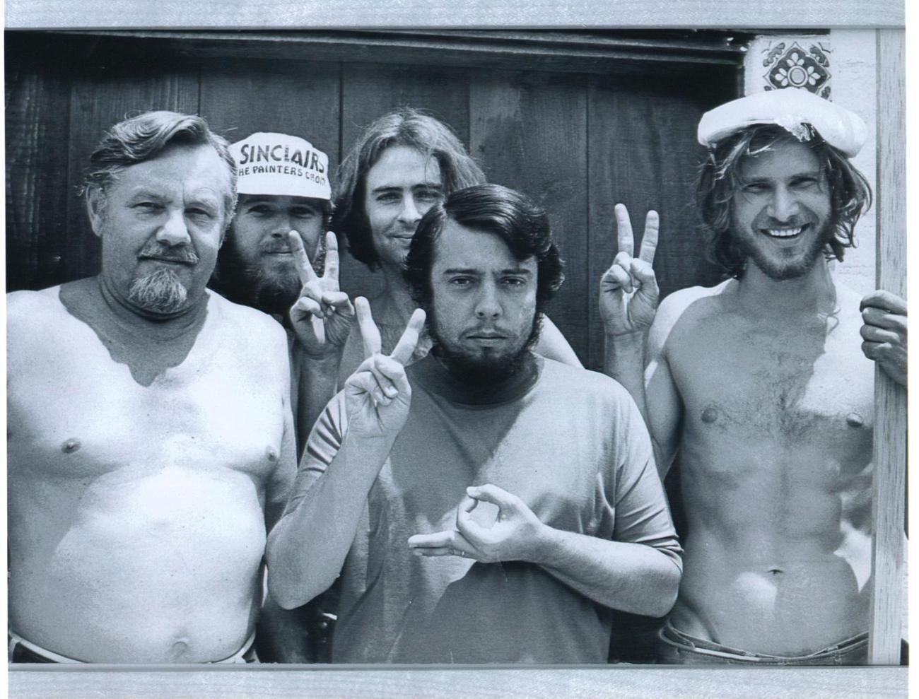 Sérgio Mendes (centro) y un carpintero llamado Harrison Ford. Imagen: Sérgio Mendes Twitter (@sergiomendes).