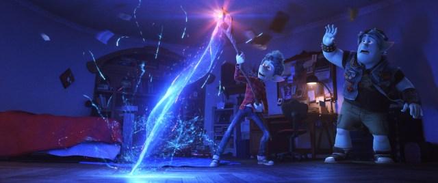 Tom Holland y Chris Pratt prestaron sus voces a los hermanos Ian y Barley Lightfoot en Onward (2020). Imagen: Disney/Pixar