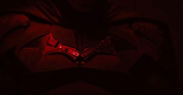 El símbolo del Murciélago en el Batitraje de la prueba de pantalla de The Batman (2021). Imagen: Matt Reeves/Vimeo