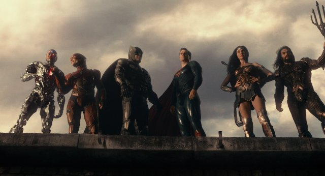 Cyborg (Ray Fisher), Flash (Ezra Miller), Batman (Ben Affleck), Superman (Henry Cavill), Wonder Woman (Gal Gadot) y Aquaman (Jason Momoa) en Justice League (2017). Imagen: fanpop.com