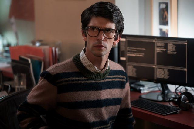 Q (Ben Whishaw) en No Time to Die (2020). Imagen: James Bond Twitter (@007).