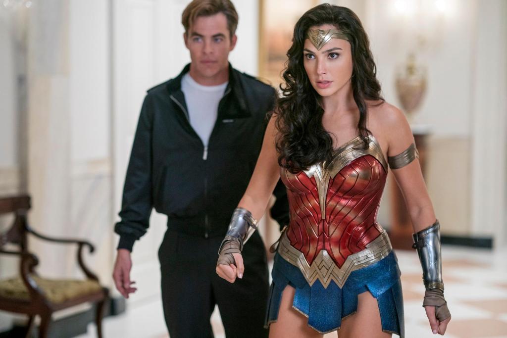 Steve Trevor (Chris Pine) y Wonder Woman (Gal Gadot) en Wonder Woman 1984 (2020). Imagen: IGN Twitter (@IGN).