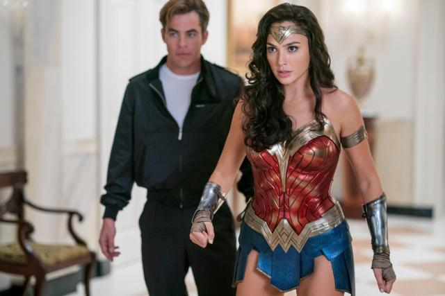 Steve Trevor (Chris Pine) y Wonder Woman (Gal Gadot) en Wonder Woman 1984 (2020). Imagen: IGN Twitter (@IGN).