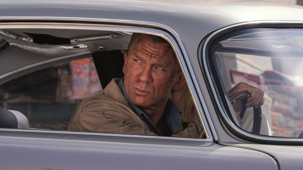 Daniel Craig como James Bond en No Time to Die (2020). Imagen: Empire Magazine Twitter (@empiremagazine).