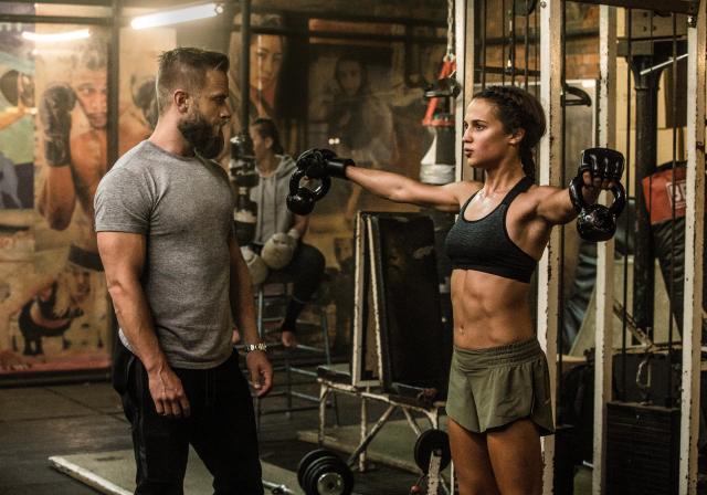 El entrenamiento físico de Alicia Vikander para el papel de Lara Croft en Tomb Raider (2018). Imagen: Christian Black/Warner Bros. Pictures/Metro-Goldwyn-Mayer Pictures