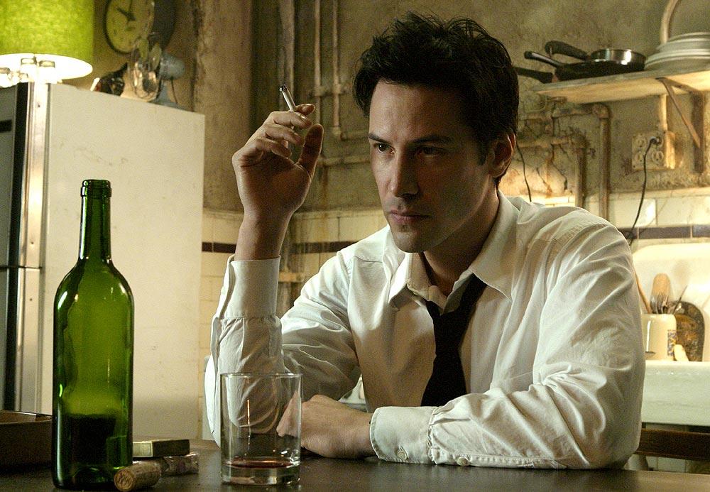 John Constantine (Keanu Reeves) en Constantine (2005). Imagen: listal.com