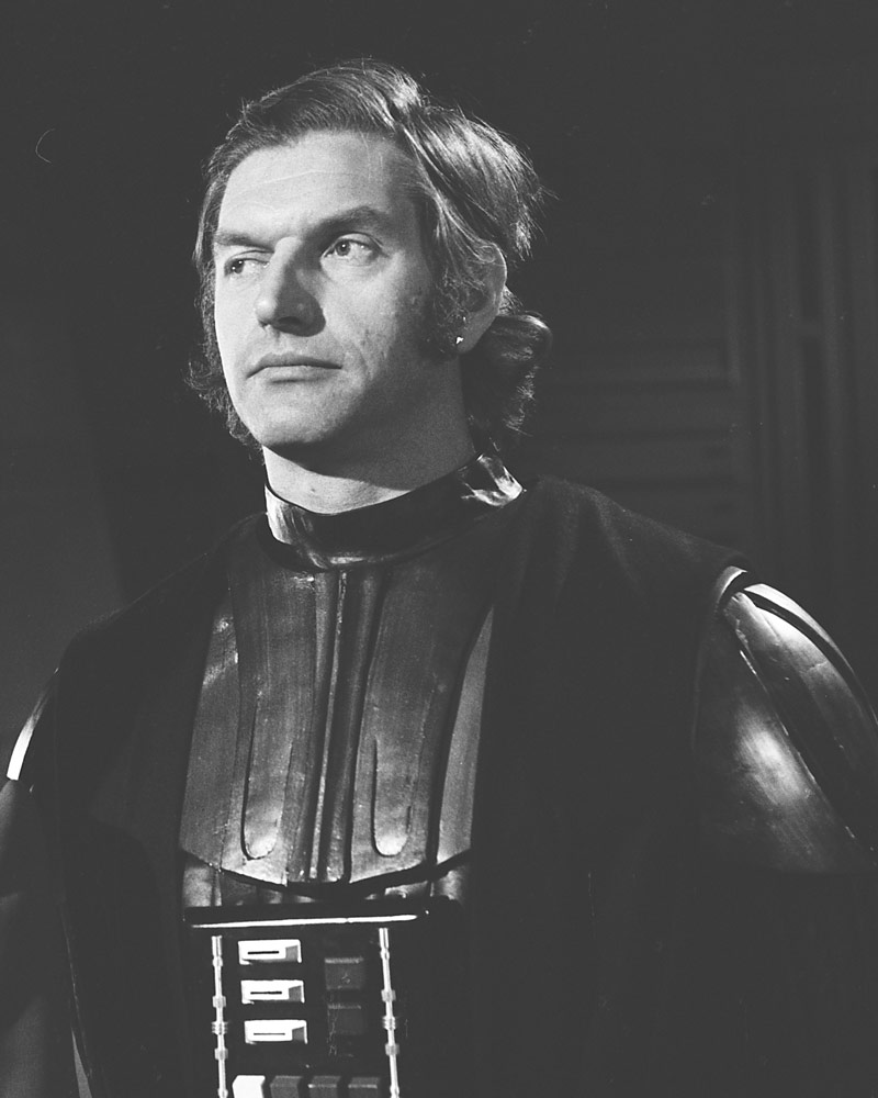 David Prowse (1935-2020) audicionó como Darth Vader y Chewbacca en Star Wars: Episode IV – A New Hope (1977). Imagen: StarWars.com