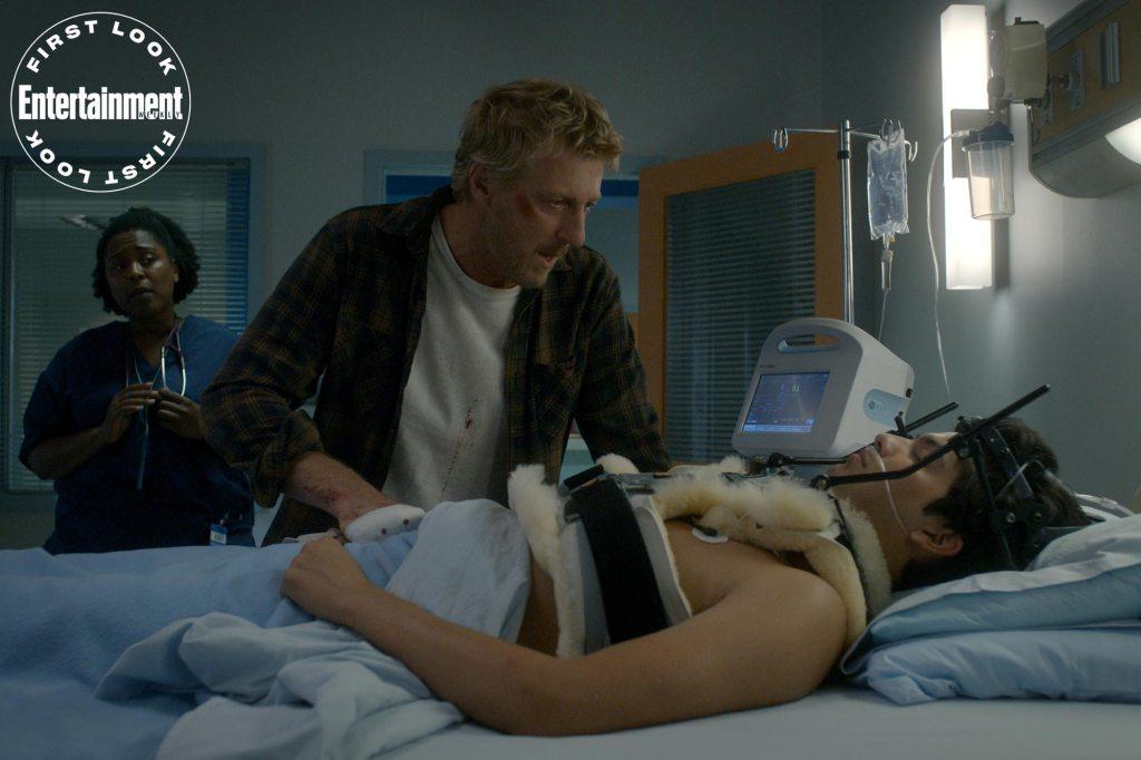 Johnny Lawrence (William Zabka) y Miguel Díaz (Xolo Maridueña) en el episodio 301 de Cobra Kai. Imagen: Netflix/Entertainment Weekly