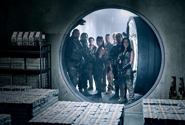 Dave Bautista, mercenarios y muertos vivientes en Army of the Dead (2021). Imagen: Clay Enos/Netflix