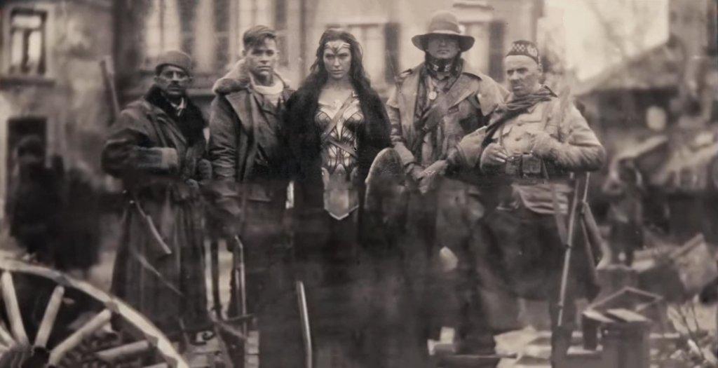 Sameer (Saïd Taghmaoui), Steve Trevor (Chris Pine), Wonder Woman (Gal Gadot), Chief (Eugene Brave Rock) y Charlie (Ewen Bremner) en la Primera Guerra Mundial (1914-1918). Imagen: wall.alphacoders.com