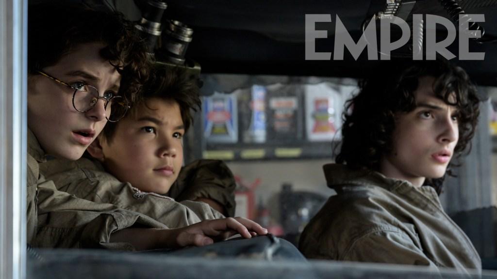 Mckenna Grace, Logan Kim y Finn Wolfhard en Ghostbusters: Afterlife (2021). Imagen: Empire Magazine Twitter (@empiremagazine).