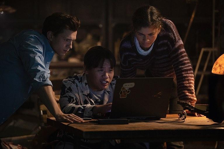 """Peter Parker (Tom Holland), Ned Leeds (Jacob Batalon) y Michelle """"MJ"""" Jones (Zendaya) en Spider-Man: No Way Home (2021). Imagen: Zendaya Instagram (@zendaya)."""
