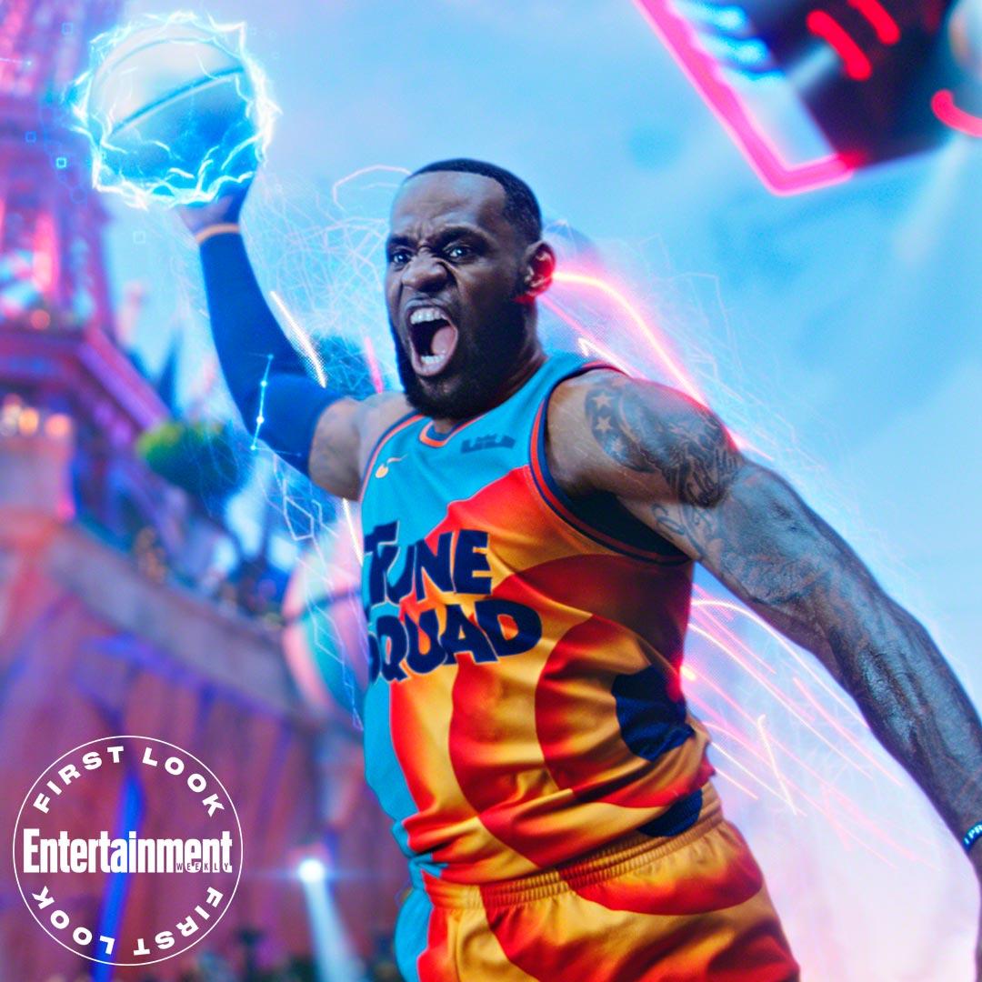LeBron James como él mismo en Space Jam: A New Legacy (2021). Imagen: Entertainment Weekly Twitter (@EW).