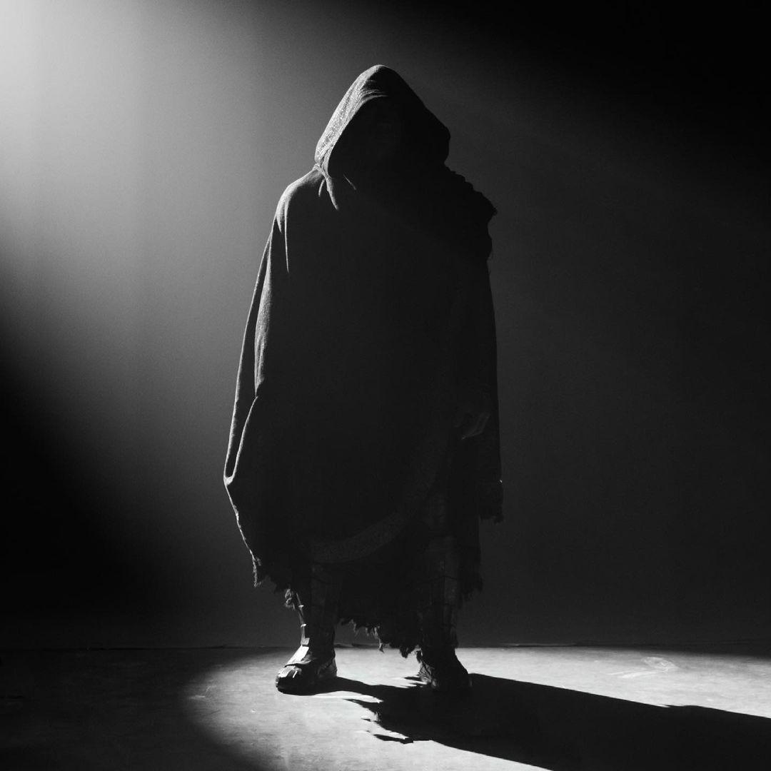 El traje de Black Adam/Teth-Adam (Dwayne Johnson) en el set de Black Adam (2022). Imagen: Dwayne Johnson Instagram (@therock).