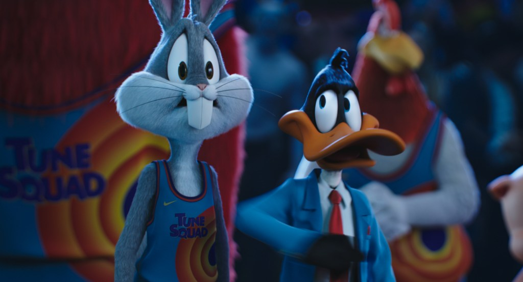 Bugs Bunny (voz de Jeff Bergman), Daffy Duck (voz de Eric Bauza) y el Tune Squad en Space Jam: A New Legacy (2021). Imagen: Rotten Tomatoes Twitter (@RottenTomatoes).