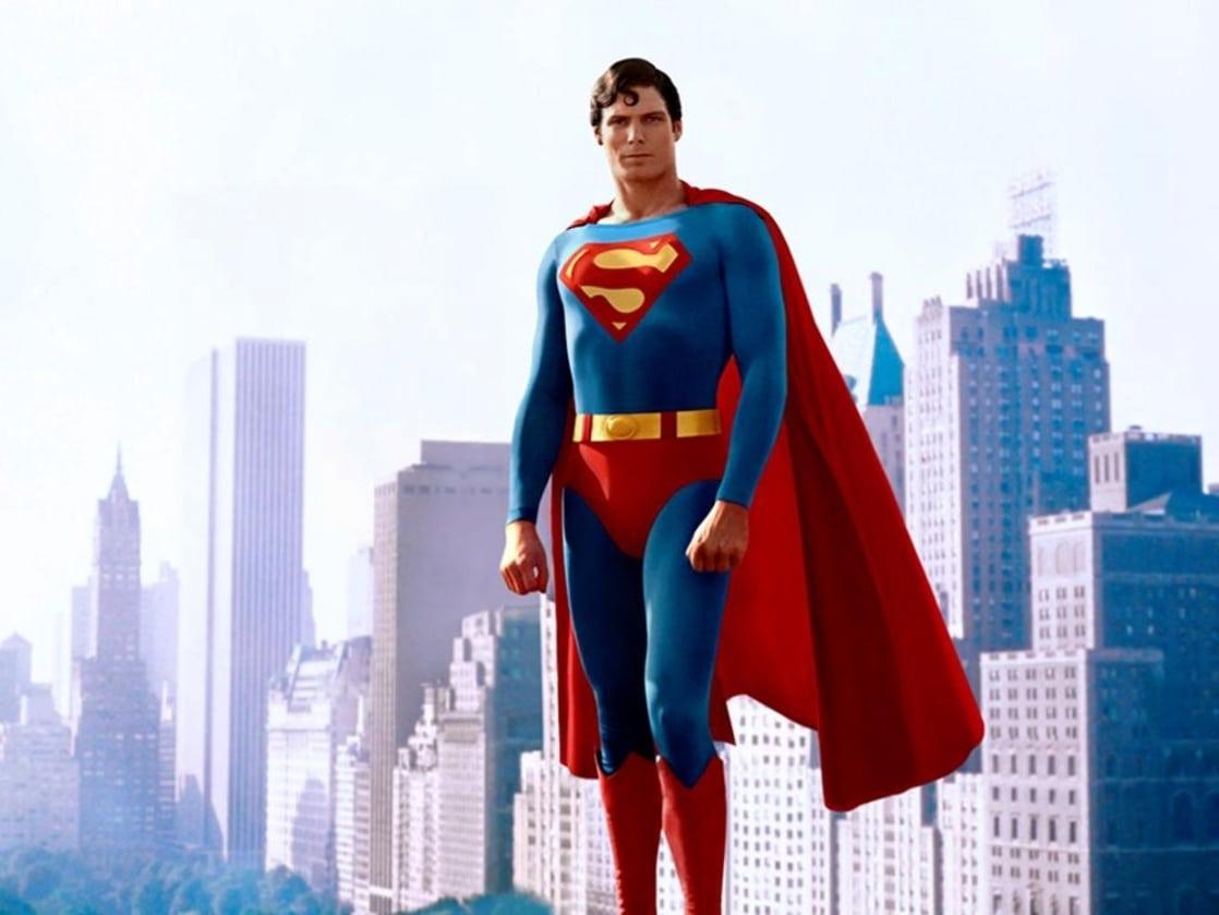 Christopher Reeve (1952-2004) como Superman en Superman: The Movie (1978). Imagen: listal.com