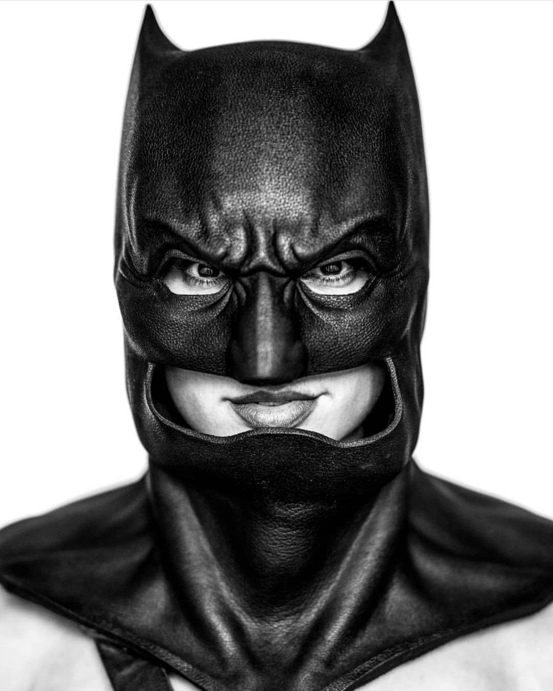 Gal Gadot como Batman por Clay Enos. Imagen: Gal Gadot Twitter (@GalGadot).