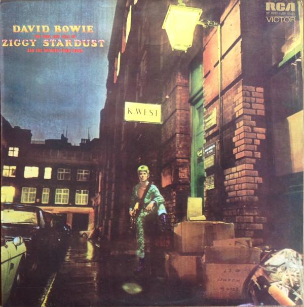 Portada de The Rise and Fall of Ziggy Stardust and the Spiders from Mars (1972), el quinto disco de David Bowie (1947-2016). Imagen: discogs.com