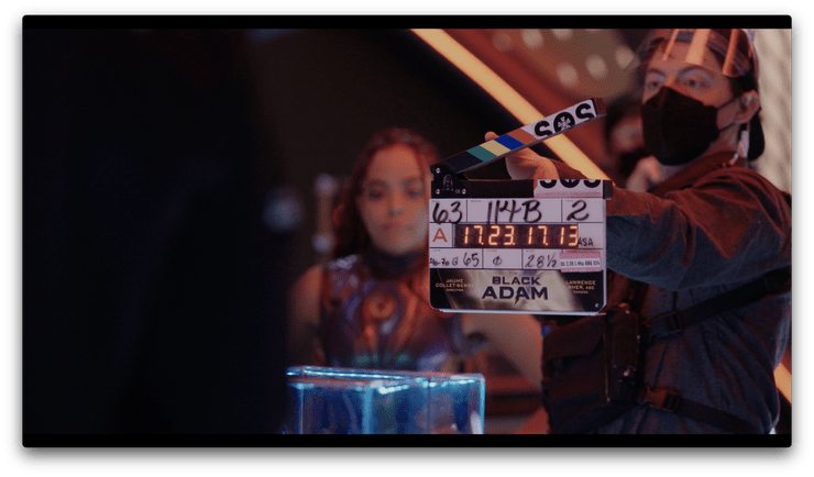 Quintessa Swindell como Cyclone/Maxine Hunkel en el Set de Black Adam (2022). Imagen: The Guidance Twitter (@guidance_the).