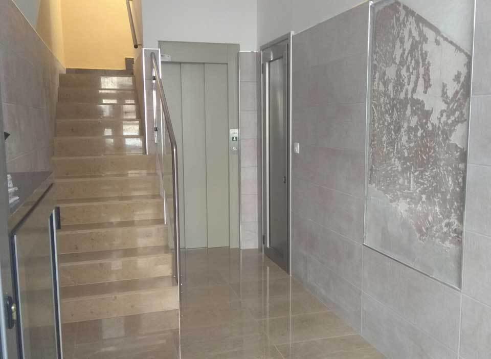 reforma portal e instalacion ascensor Gijón