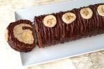 Rulada cu cacao, banane si crema de nuci