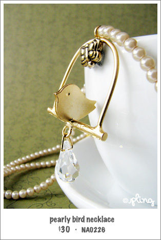 NA0226 - pearly bird necklace