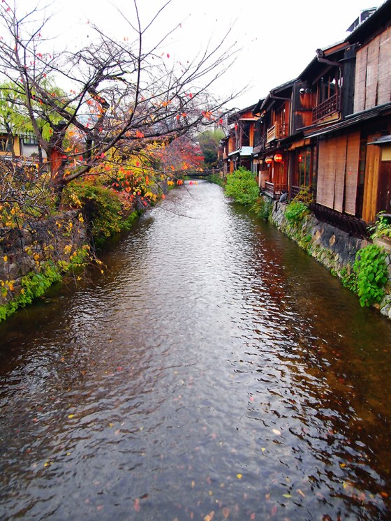 Shirakawa Gion during Autumn and Sunset