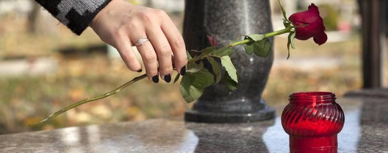 nagrobek,pomnik cmentarny,tombstone,grabstein,gravsten,grobowiec