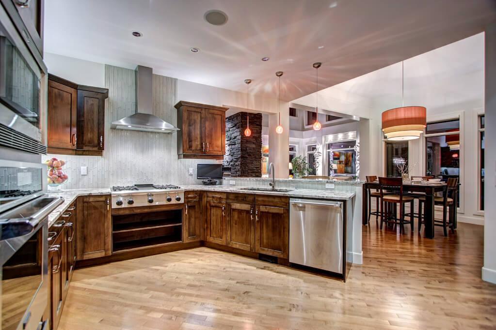 Modern-millwork-40-Wentwillow-lane-SW-west-springs-real-estate-for-sale-plintz-Realtor-calgary-sothebys-Luxury