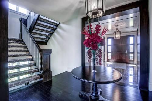 Foyer-20-October-Gold-Gate-Elbow-Valley-For-Sale-Realtor-Plintz-Luxury-Real-Estate-Calgary-Sothebys