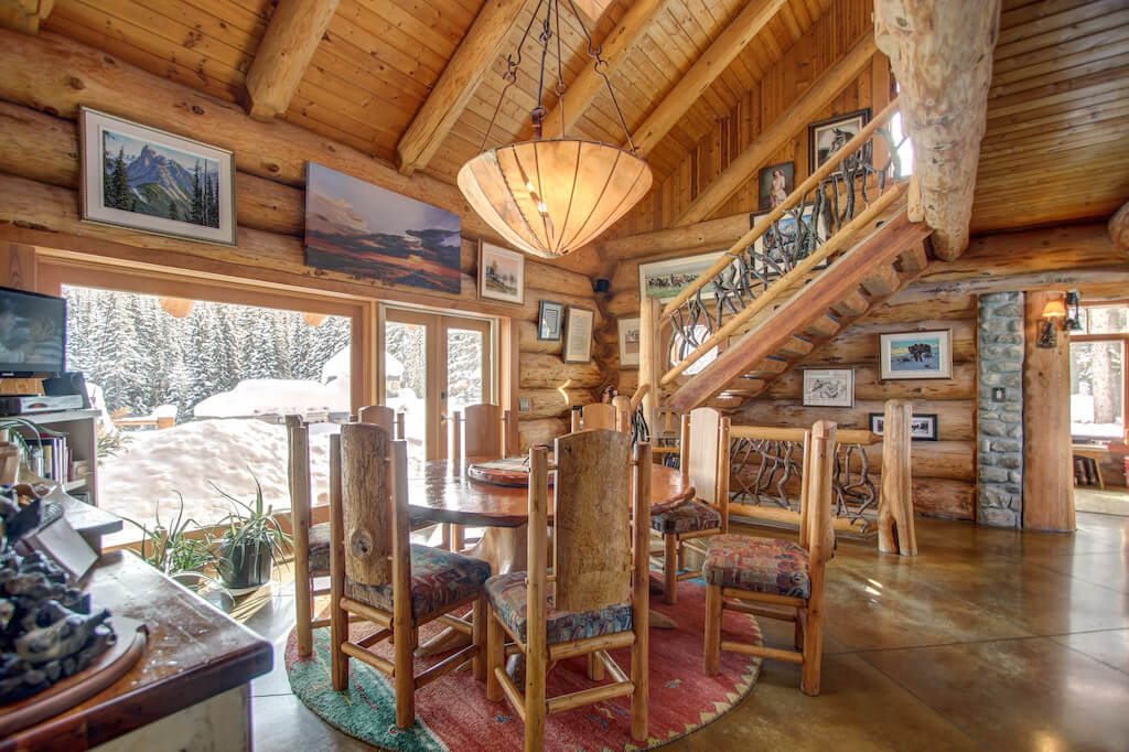 Rustic-dining-breakfast-352248-Pine-Ridge-Road-Bragg-Creek-Ranch-Acreage-For-Sale-Calgary-Real-Estate-For-Sale-taylor-sothebys-Realtor-Plintz