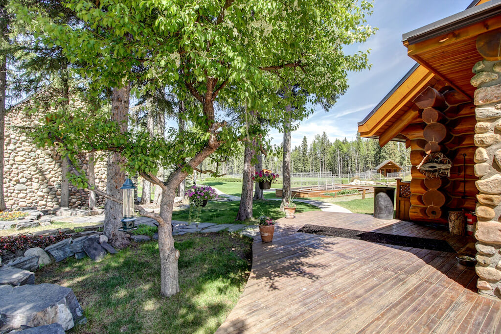 Landscaping-352248-Pine-Ridge-Road-Bragg-Creek-Ranch-Acreage-For-Sale-Calgary-Real-Estate-For-Sale-taylor-sothebys-pond