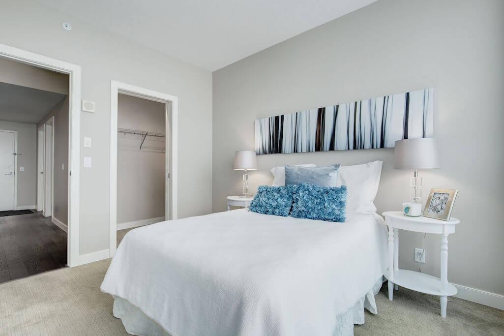 bedroom-closet-2402-225-11-Avenue-SE-Keynote-Condo-Victoria-Park-Beltline-Calgary-Real-Estate-Plintz-Realtor-Luxury