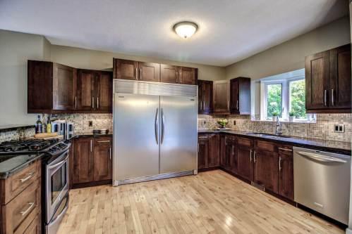 413-15-Street-NW-Hillhurst-Real-Estate-kitchen-upgrade-plintz