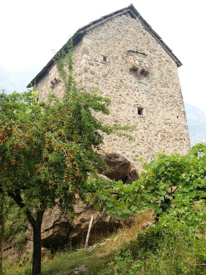 Kullë shaljane