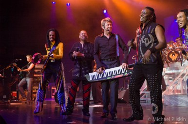 Chicago and Earth, Wind & Fire Perform at the L.A. Greek Theatre